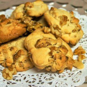 Vanilla Nut Cookies by the Dozen
